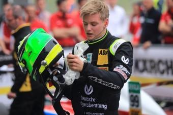 Schumacher fia a balesetről: törött kézzel is versenyez