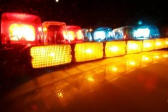Visszamászott az égő autóba az öngyilkosjelölt (18+)