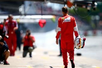 F1: Bajnokok a mezőny végén - a rajtrács a büntetések után