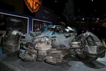 Hivatalosan is bemutatkozott az új Batmobil