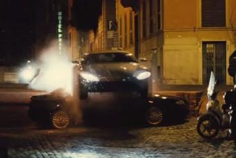 Így csak James Bond tud elpusztítani egy 166-os Alfát