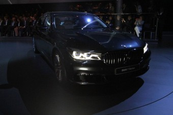 Már beszélhetünk róla: Új 7-es BMW