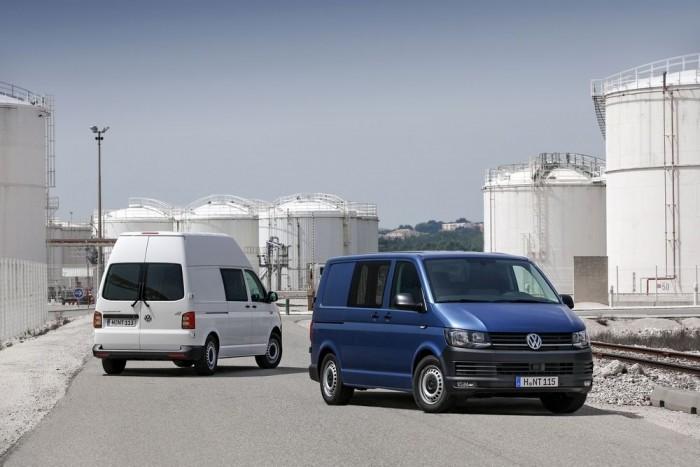 Jön az összes változat egyszerre: Panel Van, Pickup, DoKa (duplakabinos pickup), Caravelle és Multivan, hosszú tengelytávú és emelt magasságú kivitel