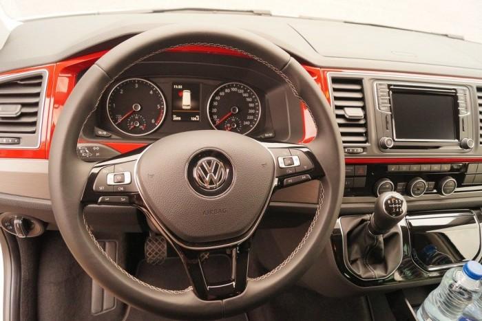 Gyakorlatilag egy Golf komfortját és elektronikai szolgáltatásait nyújtja