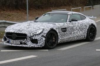 Szteroidkúrán a Mercedes AMG GT