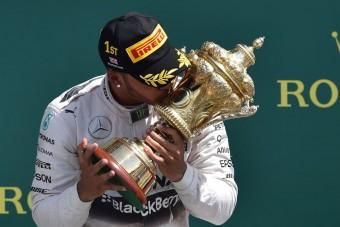 F1: Hamilton nyerte az agyament Brit Nagydíjat