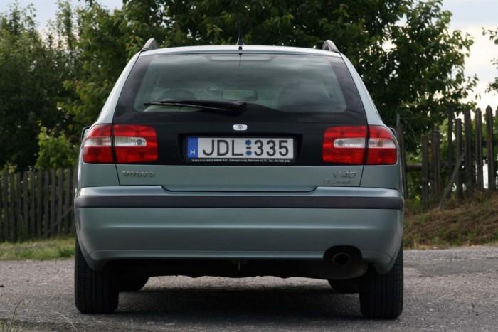 A Volvo V40-S40 használtautó-kínálatban kicsit több a kombi, mint a lépcsőshátú. Feltöltős benzinesekből elhasználtakat könnyen találunk, gondosan szervizelt darabokból kevés az eladó