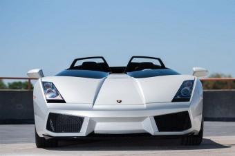 Ablakok és tető nélküli Lamborghini 800 milláért. Jöhet?