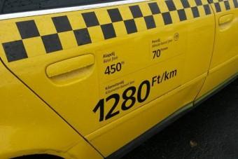 Ennek a taxisnak aztán volt bőr a képén a Soundon