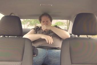 Emberkísérlet: kibírnád 10 percig egy forró autóban? Csak hiszed!