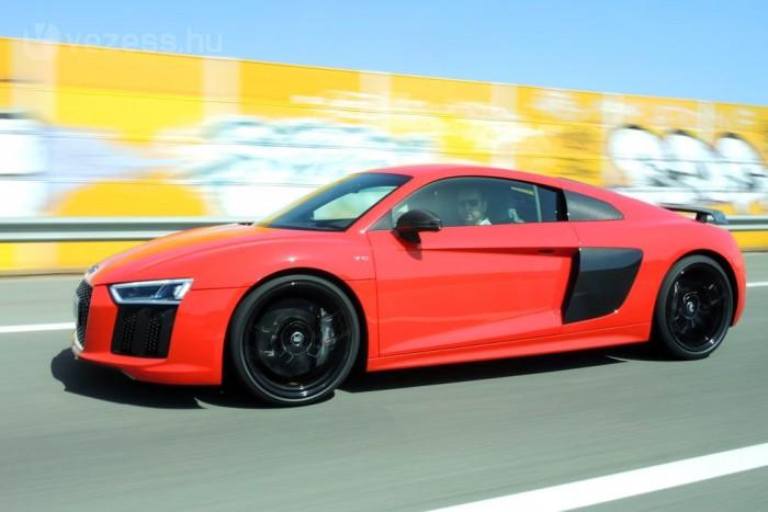 Nem volt még ilyen gyors utcai Audi, az R8 V10 Plus végsebessége 330 kilométer/óra