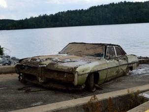 43 évig állt a tóban az autó, benne egy ember maradványaival