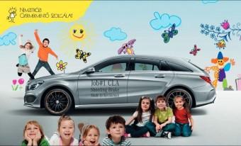 Hamilton Mercedest vett a Gyermekmentő Szolgálat árverésén