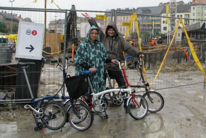 A Széll Kálmán tér káoszában remekül navigálható volt a kiskerekű bringa