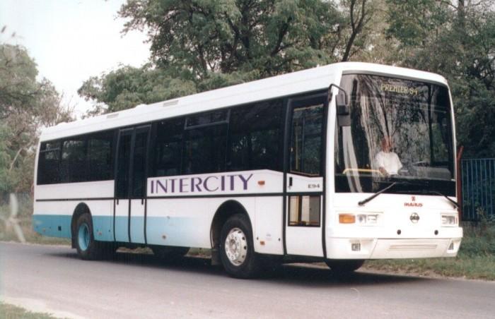 Az Ikarus EAG E94-est 1994-ben mutatta be a cég. A bemutatókocsival ellentétben később ezen modellek többsége kétszárnyú első ajtóval készült.