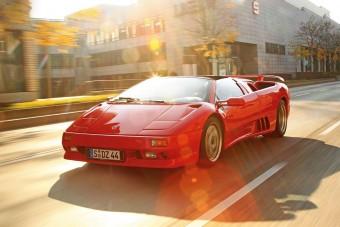 Vezettük: Lamborghini Diablo VT Roadster