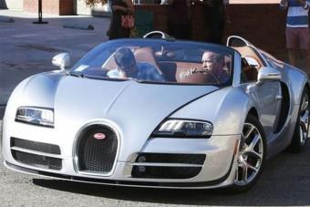 Bugatti Veyronnal csapatta a Terminátor