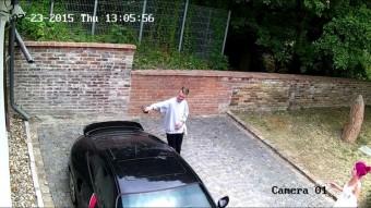 Porschét karcolt össze egy részeg srác