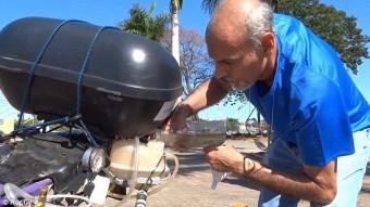 Vízzel működő motort kreált egy idős ember
