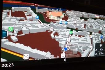Csatornába navigálta az idős autóst a GPS, simán bele is hajtott