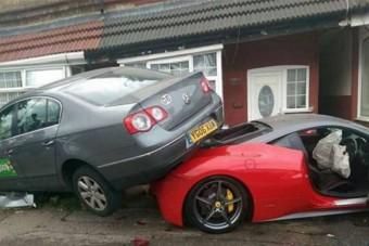 Ferrarit bérelt az esküvőre, katasztrófa lett a vége