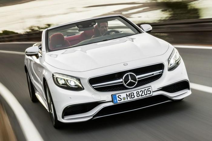 S63 AMG Cabriolet: 585 LE, 900 Nm, összkerékhajtás, 3,9 mp 0-100 km/óra, 10,4 l/100km