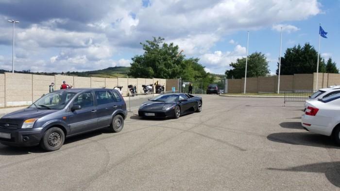 A média/VIP parkolóba távozásomkor épp egy Lamborghini Gallardo állt be, de ezt csak így zárójelben a végére.