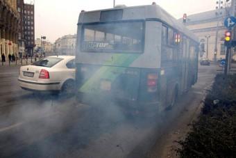 Koromtalanítja a buszait a BKV