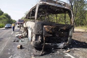 Porig égett egy busz Nyárlőrincnél