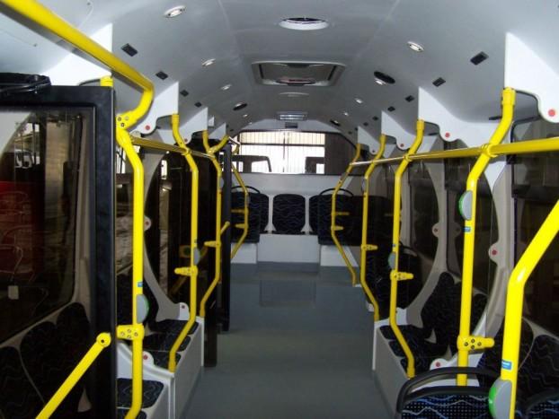Az Evopro CNG Modulo Optimo utastere, melyben jócskán akad egymással szembe fordított ülés.