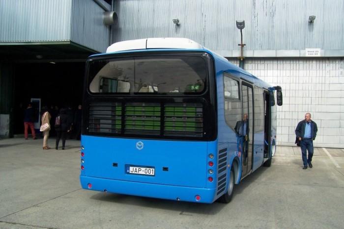 A BKK-specifikációk alapján elkészített elektromos midibusz, mely a Modulo Medio fantázia nevet viseli.