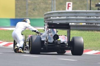 F1: Hamilton tévútra vitte a McLarent