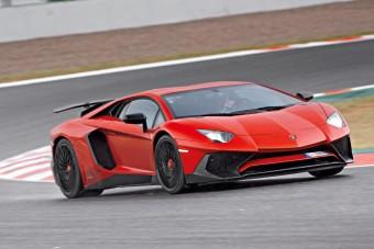 Vezettük: Lamborghini Aventador LP 750-4 Superveloce