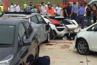 25 embert gázolt el egy Porsche, öt súlyos sérült