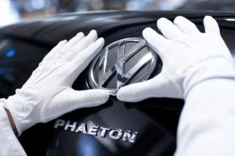 Elektromos luxusautó, AdBlue dízelek a VW-től