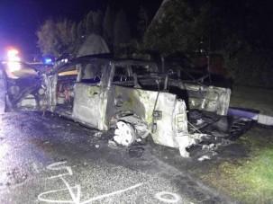 Megrázó fotók a Mórahalmon kigyulladt autóról