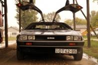 40 évig álltak a pajtában ezek a DeLorean-ek 2