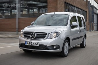 Frissült a Renault Mercedes