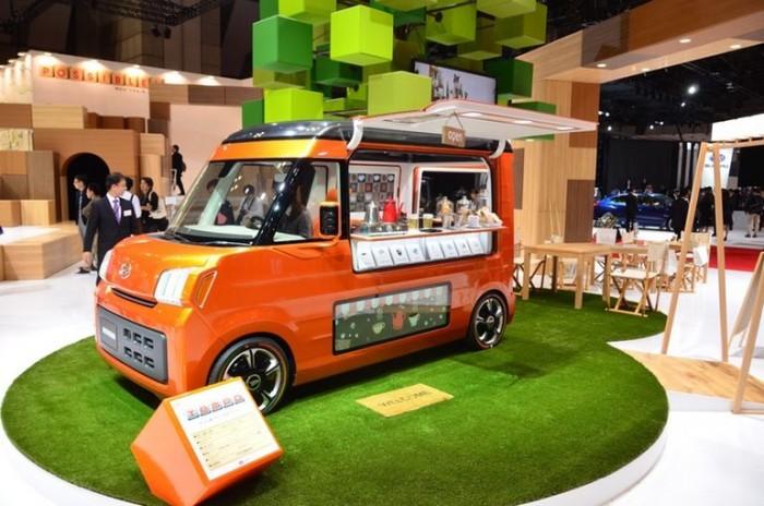 A Tempo egy kisebb food truck, mely ötvözi az ilyen felhasználású járművek hangulatát a 21.századi elvárásokkal.