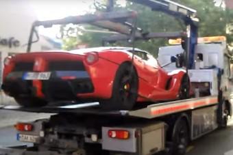 Nálunk összetörték, Münchenben lopóautó jött egy LaFerrariért