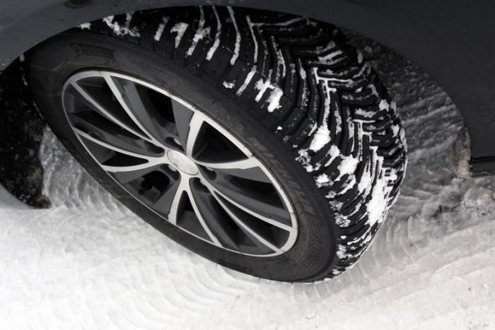 A téli gumi csak 4mm-es barázdamélységig téli gumi