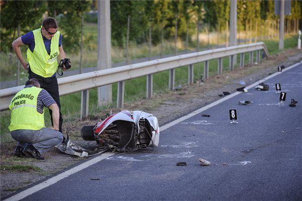 A cikkben szereplő képek illusztrációk, nincs közül a konkrét balesethez (motoros fotók forrása: MTI)