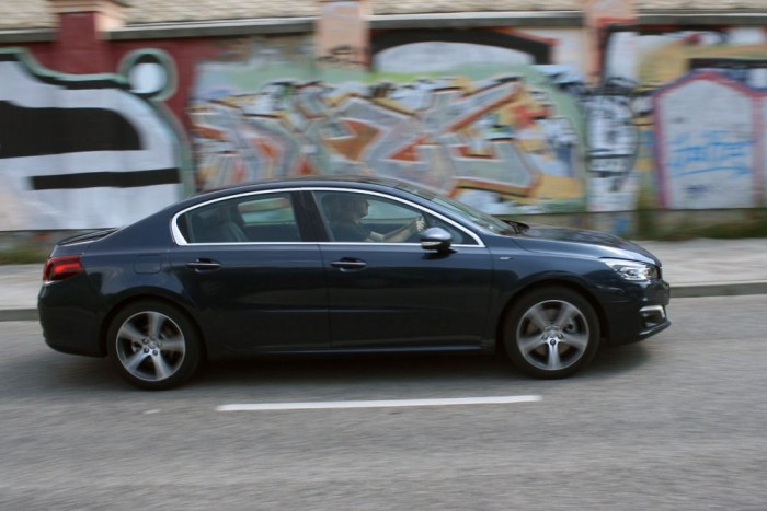 A BMW beutalhatná a négyhengeres dízelmotorjait a Peugeot akusztikai szakembereihez. Az 508 GT halk és gyors