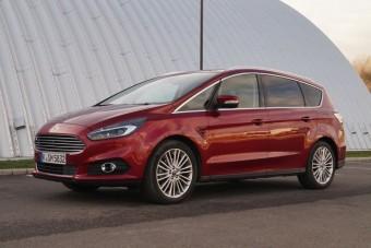 Teszt: Ford S-Max Titanium 2.0 TDCi - 2015