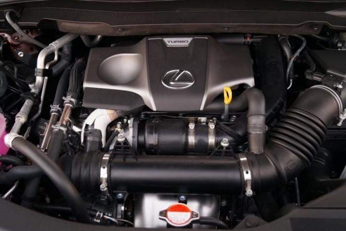 A Toyota alaposan átmosta a saját agyát: eddig gyűlölték a turbófeltöltőt, most már büszkék rá