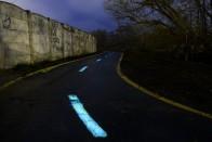 Mesebeli, éjszaka világító bringautat adtak át Esztergomnál 5
