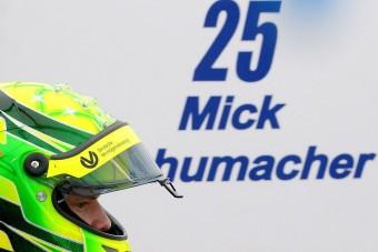 Nagy nevek ellen a kis Schumacher
