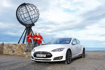 A nagy Tesla-rekord: árammal Európán át