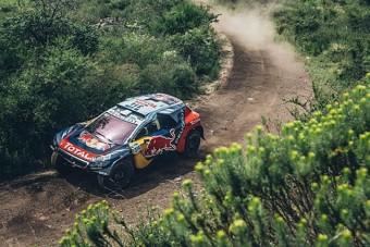 Loeb szakaszt nyert a Dakaron