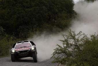 Loeb újabb szakaszt nyert a Dakaron